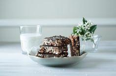 Our Favourite Double Chocolate and Pecan Nut Brownies - Sarah Graham Food Chocolate Rice Crispy, Chocolate Peanut Butter Frosting, Rice Crispy Bars, Healthy Chocolate, Chocolate Chips, Graham Recipe, Sarah Graham, Healthy Rice, Candida Recipes
