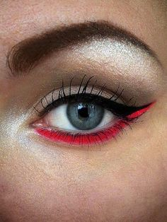 eye liner- red wow