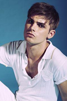 Kieron Richardson Emmett Scanlan, Kieron Richardson, Cosplay Boy, Hollyoaks, Lgbt Love, Emo Boys, Cute Guys, Male Models, Brown Hair