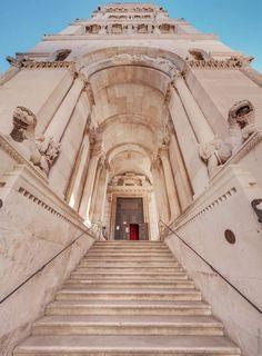 The Cathedral of Saint Domnius, known locally as the Saint Dujam (Sveti Dujam) or colloquially Saint Duje (Sveti Duje), is the Catholic cathedral in S. Split Croatia, Europe Holidays, Croatia Travel, Europe Destinations, Macedonia, Travel Abroad, Best Cities, Eastern Europe, Slovenia