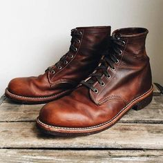 Oh, the beauty of a well-loved pair of #ChippewaBoots. #TheBestByFar Shop now at…
