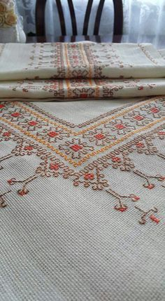 Hand embroidered table runner cross-stitch table by RugsNBags Just Cross Stitch, Cross Stitch Borders, Cross Stitch Kits, Cross Stitch Designs, Cross Stitching, Cross Stitch Patterns, Kasuti Embroidery, Embroidery Fabric, Cross Stitch Embroidery