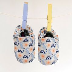 Poco Nido - hare and tortoise baby shoes