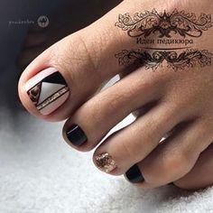Gel Toe Nails, Gel Toes, Feet Nails, Pretty Toe Nails, Cute Toe Nails, Pretty Toes, Cute Pedicure Designs, Toe Nail Designs, Rose Nail Art