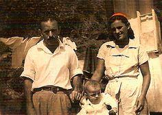 Carlos Gonçalves Mafra e Maria de Carvalho Mafra com o primogênito, Guaratuba 1950 - - Família Mafra