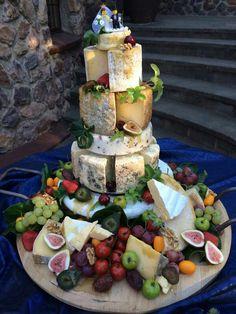 Cheese Wheel Cake Wedding Red Velvet 51 Ideas For 2019 Wedding Cakes Made Of Cheese, Fall Wedding Cakes, Beautiful Wedding Cakes, Beautiful Cakes, Gold Wedding, Rustic Wedding, Alternative Wedding Cakes, Wedding Cake Alternatives, Cheese Tower