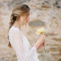 Pinterest : 40 robes de mariage pour se marier à la fin de l'été Une robe de mariée à manches trompette