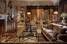 Interior design by Juan Pablo Molyneux.