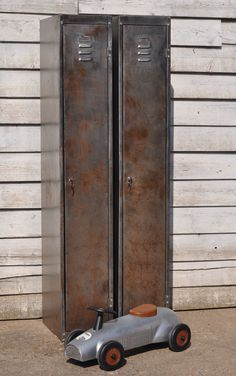 home-barn-industrial-single-locker