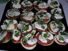 pieczone bakłażany z mozarellą i pomidorami