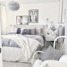 A bold 36 Cozy Minimalist Bedroom Design Trends can change your own home design instantly and entirely! See concepts on the right way to make it part of your own home decor beautifully here! Blue Gray Bedroom, White Bedroom Decor, Blue Bedrooms, Light Grey Bedrooms, Bedroom Inspo Grey, Home Interior, Interior Design, Modern Interior, Simple Bedroom Design