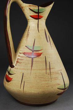 Bay, Krug - Design und Klassiker Pottery Painting, Pottery Vase, Deco Retro, Vintage Pottery, Bottle Art, Ceramic Vase, Decoration, Glass Bottles, Designer