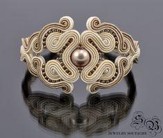 Brazalete de soutache, Soutache joyería elegante, glamour, beige, perla