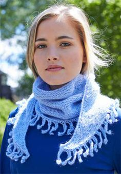 Free knit pattern - Patons Lace Sequin - Friseur Fringe Shawl