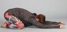 Cviky na uvolnění zad, pánve akyčlí - Novinky.cz Life Is Good, Dinosaur Stuffed Animal, Health Fitness, Exercise, Workout, Animals, Tv, Sporty, Diet
