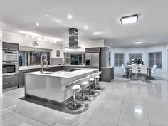 Kitchen Designs - Find new kitchen designs with 1000's of kitchen photos #Modernkitchentable