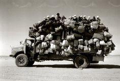 Raymond Depardon - Libye 1978 j aime beaucoup cette photo issue du livre Voyages…