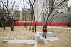Beauty on a Budget: Landscape Architects EMF Transform Urban Wasteland into Barcelona Pocket Park