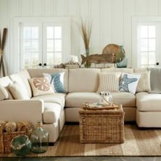 Gorgeous coastal living room decorating ideas (39)