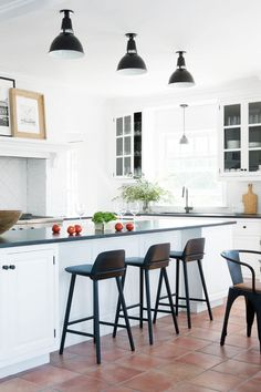 For some major style inspiration and guidance, take a peek at these 13 flawless contemporary kitchens designed by the best of the best.