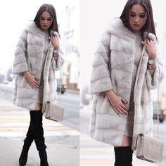 «❤️❤️❤️Нереальные зимние образы! ❤️❤️❤️ шуба ❗️НОРКА - ❗️80.000 руб❗️ платье без единого шва беж - ❗️6.500 руб❗️❤️ сапоги -ботфорты 36,37 размеры остались…»