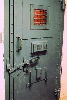 PRISON ROOM SIZE - Поиск в Google