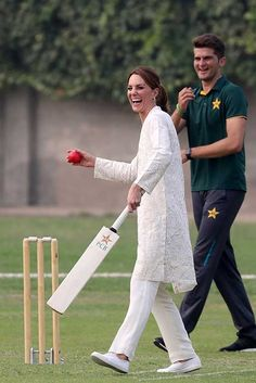 Kate Middleton and Prince William visit Lahore on royal tour of Pakistan - LIVE UPDATES - Photo 9
