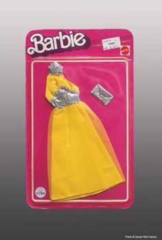 Looking for the Barbie Doll Best Buy Fashions? Immerse yourself in Barbie history by visting the Barbie Signature Gallery at the official Barbie website! Vintage Barbie, Vintage Ads, 1970s Dolls, Barbie Doll Set, Barbie Website, Barbie Collection, Collector Dolls, Barbie Clothes, Cool Things To Buy