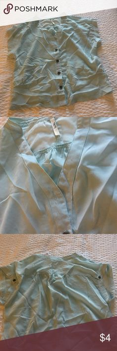Blouse Missing top button other than that good condition mint color size S Tops