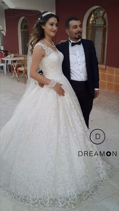 DreamON koleksiyon modellerinden Cappadocia'yı çok güzel taşıyan Kırıkkale DreamON Gelini Kübra Yıldırım ve Eşine mutluluklar dileriz. www.dreamon.com.tr #dreamon #dreamoncouture #abiye #cappadocia #gown #dreamonplaza #kırıkkale #nişanlık #wedding #gelinlik #gelinlikmodelleri #tarz #tasarım #madamediza #abiyemodelleri #moda #mutluluk