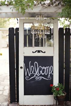 super cute! Mandy, you need to do this to those old green screen doors we picked up!!!!
