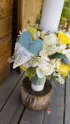 Sara Creations - Lumanare florala personalizata cu inimioara brodata manual