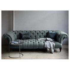 Really starting to love chesterfield sofas!