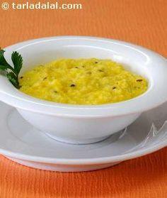 Makai Ni Khichdi ( Gujarati Recipe) recipe | Gujrati Recipes | by Tarla Dalal | Tarladalal.com | #585