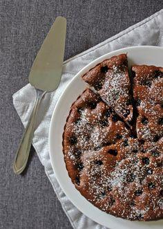 Szedres kakaós pite - Főzni jó sütni még jobb Naan, Smoothie, Desserts, Food, Tailgate Desserts, Deserts, Essen, Smoothies, Postres