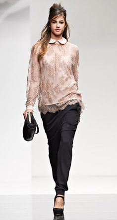 Blusa-pizzo-Twin-Set-autunno-inverno-2014-2015 Catwalk, Beachwear, Spring Fashion, Knitwear, Runway, Lingerie, Twin, My Style, Lace