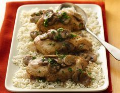 We've posted a chicken marsala recipe before. It was a pretty simple recipe, but this chicken marsala recipe is even easier. It's another one of those really great slow cooker reci… Slow Cooker Huhn, Crock Pot Slow Cooker, Crock Pot Cooking, Slow Cooker Recipes, Crockpot Recipes, Chicken Recipes, Cooking Recipes, Recipe Chicken, Quick Recipes