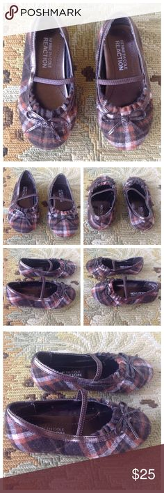 Kenneth Cole Brown Plaid Toddler Dress Shoes 6 Kenneth Cole Reaction. Super cute brown plaid dress shoes with bow on top. Slip one. Toddler size 6. Excellent condition! Kenneth Cole Reaction Shoes Flats & Loafers
