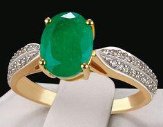 Genuine Siberian Emerald with Diamonds Solid Gold Ring. Emerald Jewelry, Gold Jewelry, Jewelry Rings, Fine Jewelry, Emerald Rings, Unique Jewelry, Silver Engagement Rings, Ring Engagement, Gold Rings