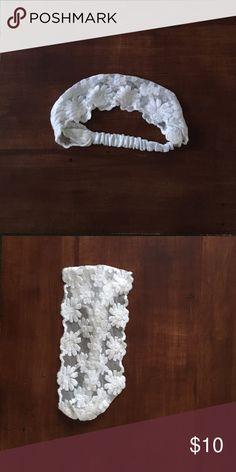 American Eagle headband, white with floral lace One size, white lace, simple & cute. Thank you for looking at this item, have a nice day! American Eagle Outfitters Accessories Hair Accessories