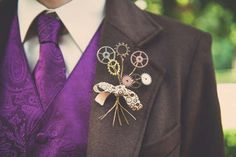 Steampunk Victorian grooms bout using gears