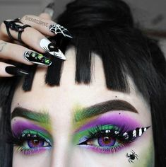 Our whole aesthetic is a DARK ROOM, so we totally get Lydia Deetz! Who else is under the trance of this Beetlejuice inspired eye from rockin' our 'Slayer' lashes! Beetlejuice Makeup, Beetlejuice Costume, Halloween Eye Makeup, Halloween Makeup Looks, Goth Makeup, Gothic Eye Makeup, Queen Makeup, Fx Makeup, Makeup Tutorials