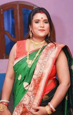 Very Beautiful Woman, Beautiful Women Over 40, Beautiful Girl Indian, Beautiful Indian Actress, Indian Natural Beauty, Indian Beauty Saree, Indian Sarees, Beauty Full Girl, Beauty Women