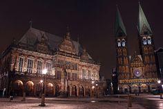Vertragen sich seit über 500 Jahren – das Rathaus und der Dom.