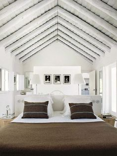 Neo rustic bedroom | Designed by Vera Iachia via Elle Decoration France Jul-Ago 2013 © Nicolas Mathéus