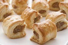 Miniworstenbroodjes om zelf te maken. Heerlijk voor de kinderen of als hapje bij het aperitief.