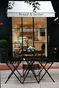 Fermob black bistro set at bread & butter cafe Design Café, Cafe Design, Front Design, Signage Design, Design Ideas, Design Trends, Logo Design, Coffee Shops, Coffee Cafe