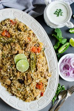 This one pot easy chicken biryani is full of traditional flavors & easiest to prepare. If you like Indian flavors, then you will love this delicacy Entree Recipes, Seafood Recipes, Indian Food Recipes, Vegetarian Recipes, Healthy Recipes, Rice Recipes, Savoury Recipes, Healthy Food, Dinner Recipes