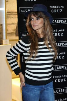 2ff0f878388302 Penelope Cruz – Carpisa Photocall in Madrid - Daily Actress