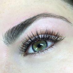Classic Lash Extensions Lashes - Eye Makeup tips Eyelash Extensions Classic, Eyelash Extensions Styles, Eyelash Extensions Natural, Fake Lashes, False Eyelashes, Long Lashes, Whispy Lashes, Permanent Eyelashes, Makeup Brushes